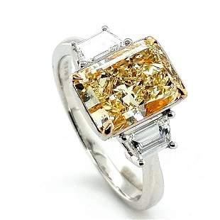 Certified 18K White Gold 2.6ct Yellow Diamond RIng