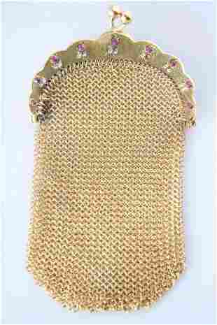 An 18k Yellow Gold Chainmail Coin Purse