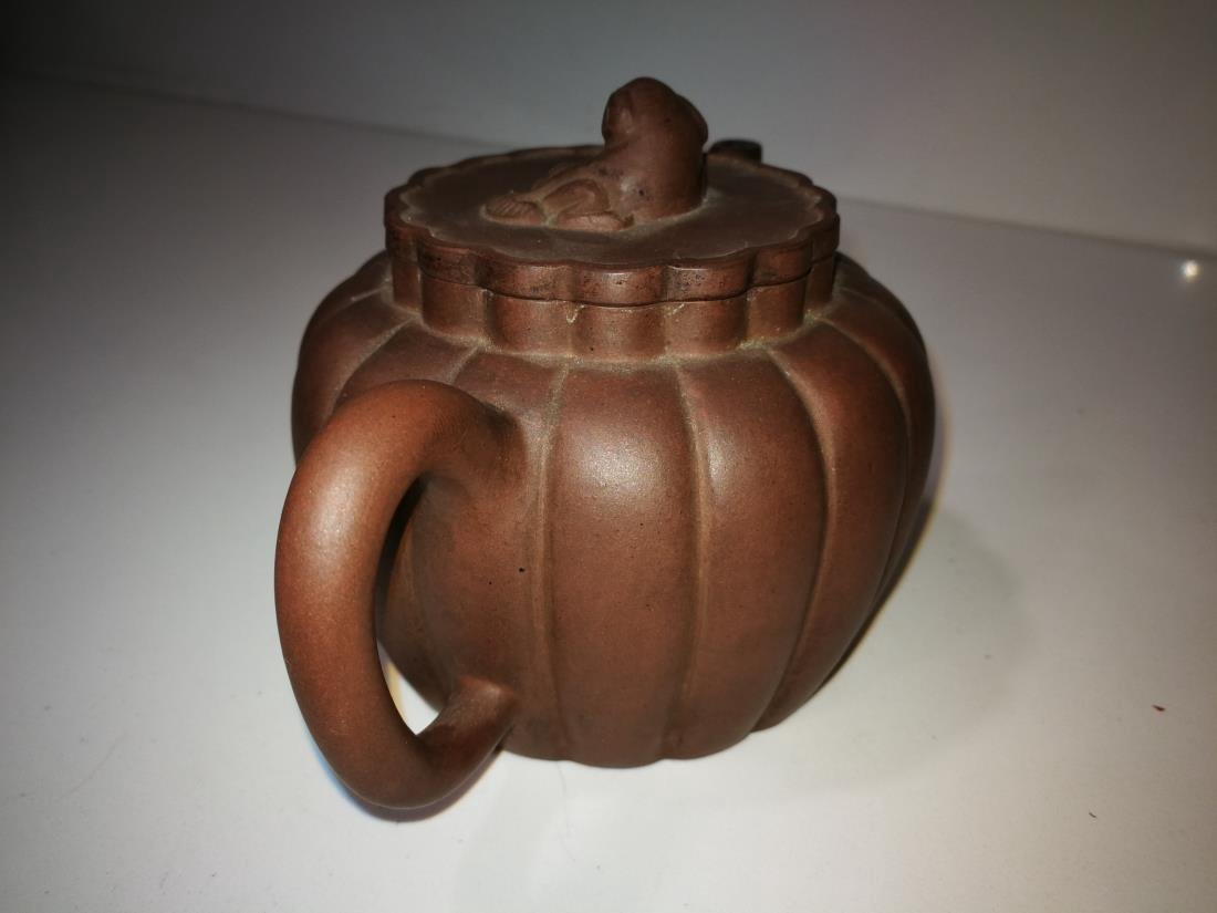 Antique Chinese Yixing Zisha Teapot Gong Ju Mark - 4