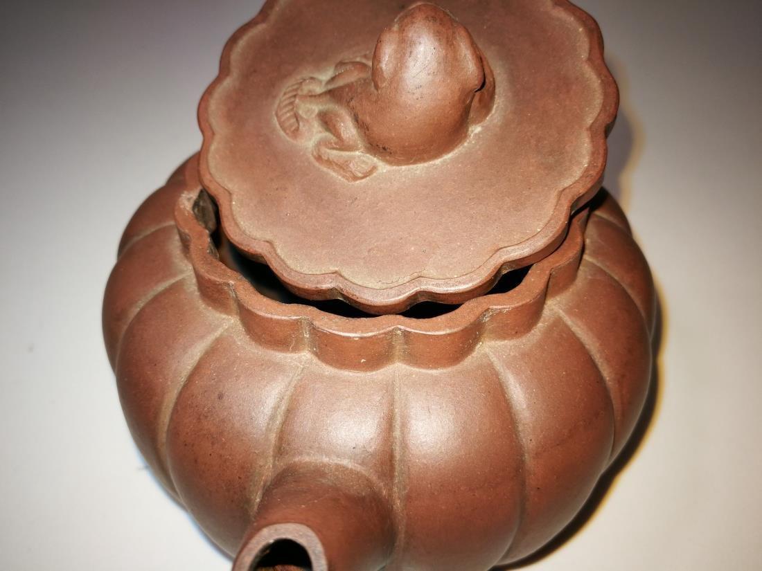 Antique Chinese Yixing Zisha Teapot Gong Ju Mark - 9