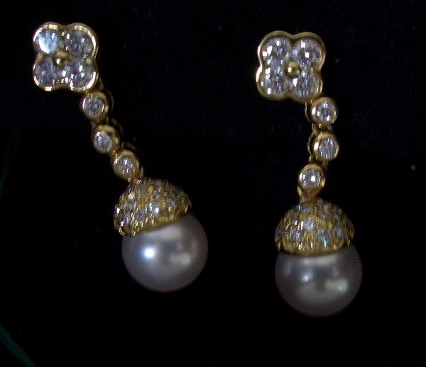 23: Diamond and pearl earrings 1.25tcw (G color VS clar