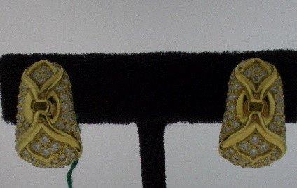 117: Bulgari Style Diamond and Gold earring