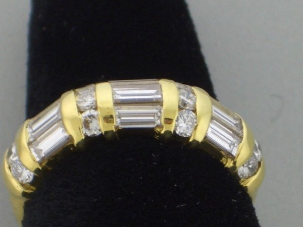 208: Diamond and Gold Ring 1.20tcw