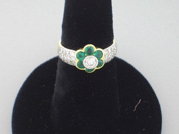 214: Diamond and Emerald Flower ring
