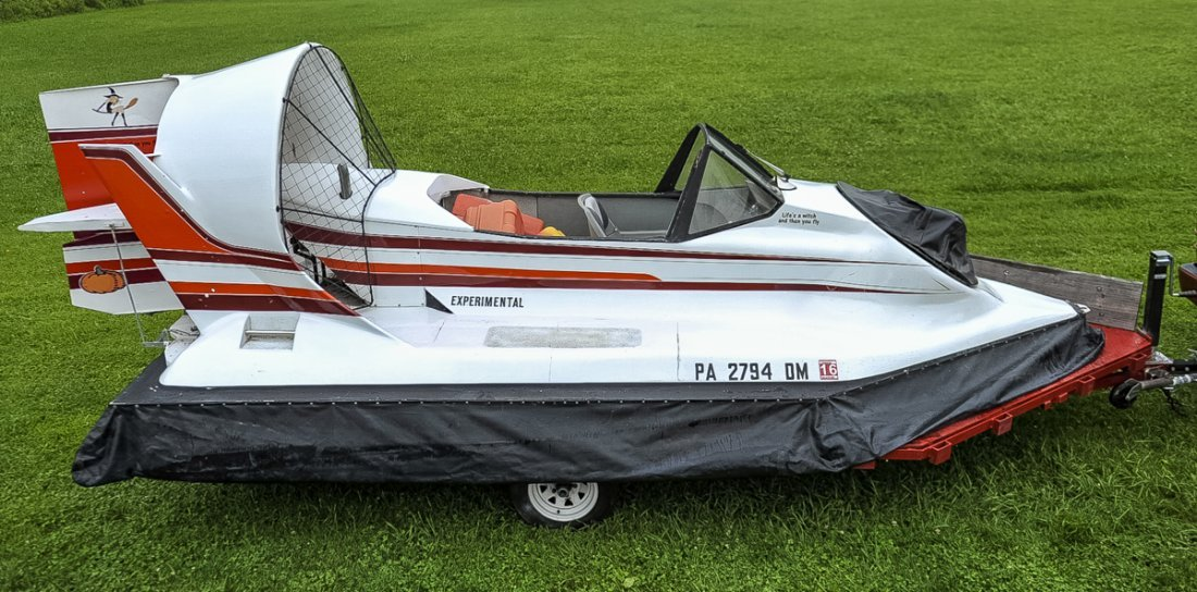 1988 Don Bender 16' Hovercraft with Trailer