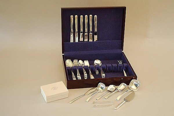 132: Towle Craftsman Sterling Silver Flatware Svc 51 pc