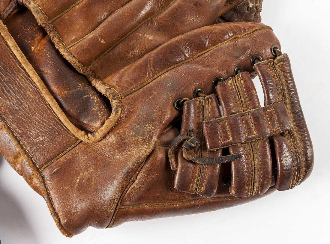 10 Vintage Baseball Gloves - 9