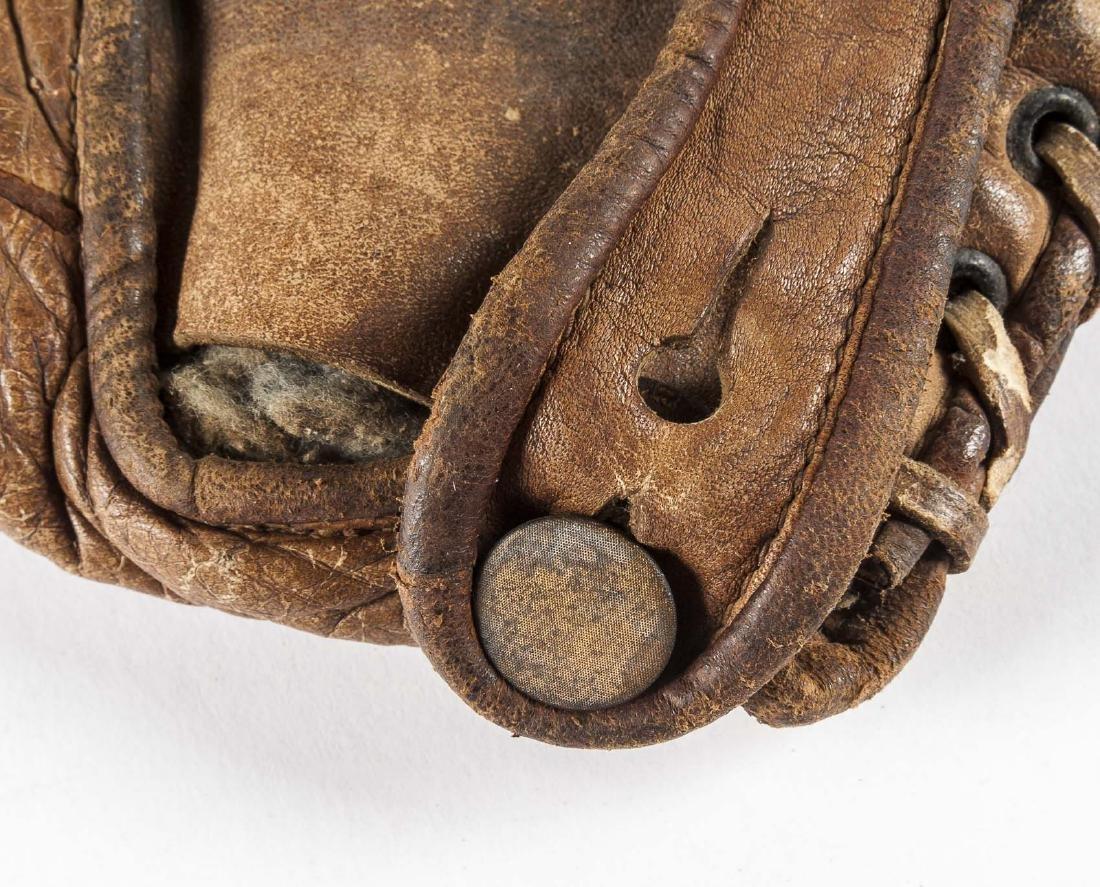 """1920s Winchester 1"""" Web Baseball Glove - 3"""