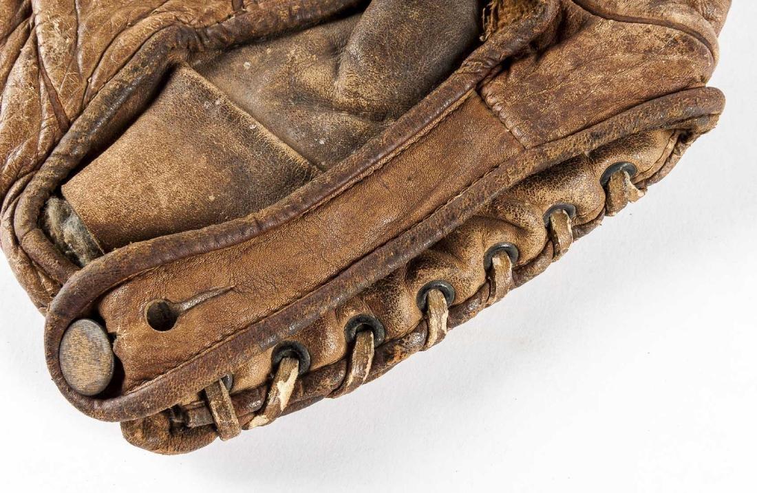 """1920s Winchester 1"""" Web Baseball Glove - 5"""
