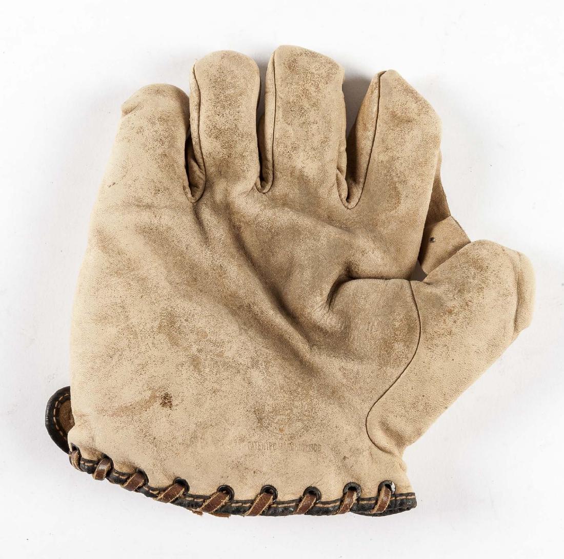"Reach 1"" Web Baseball Glove in White"