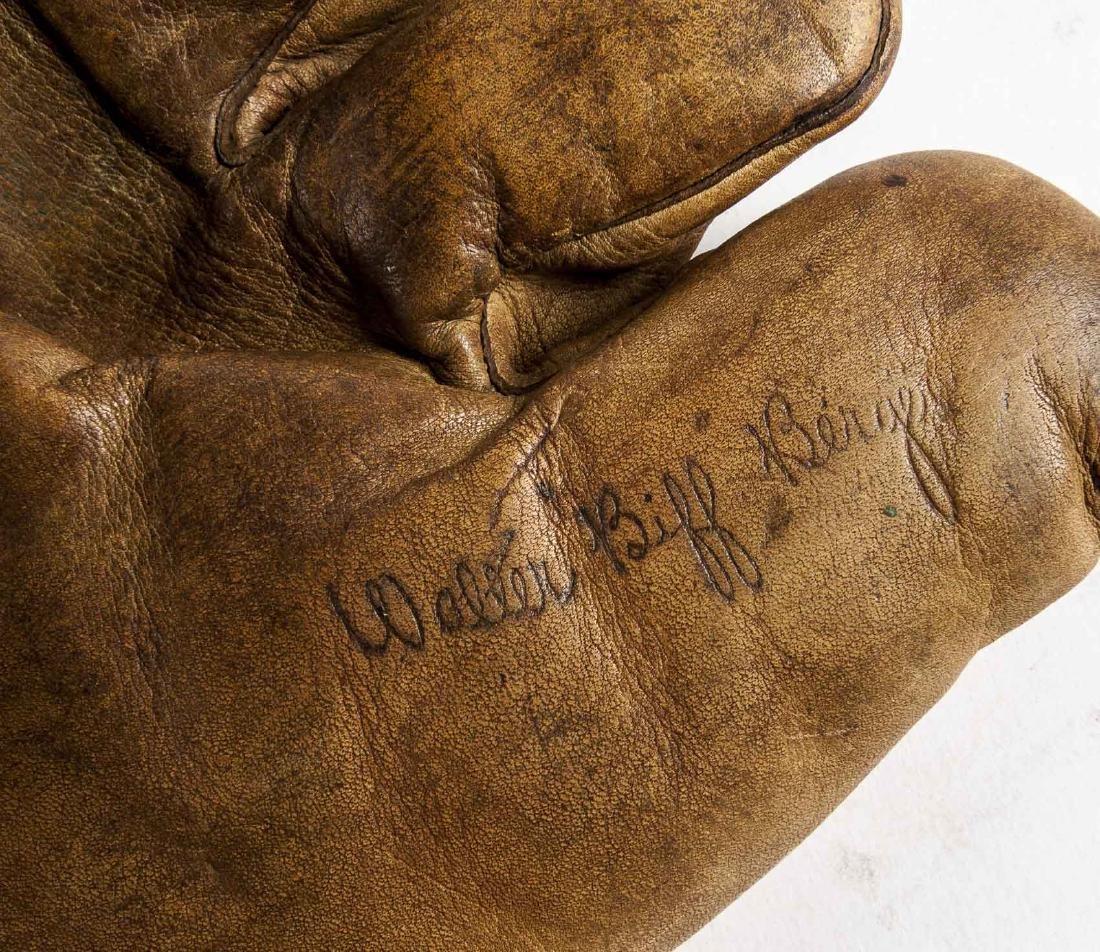 "James W. Brine ""Biff"" Berger Split Finger Glove - 4"