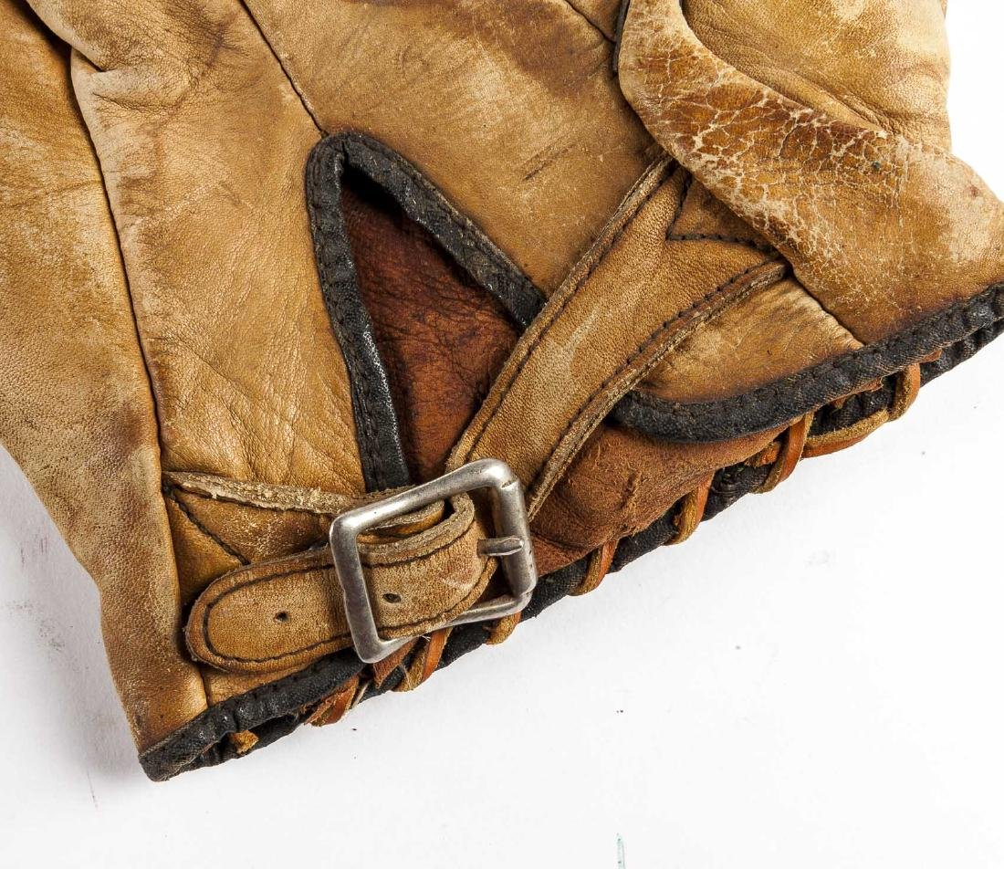 4 Vintage Baseball Gloves Incl Thos E Wilson & Co. - 9