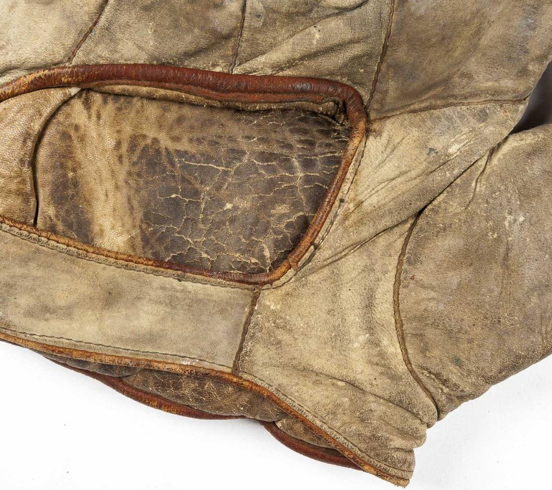4 1910s & 1920s Web Gloves incl Jimmy Outlaw - 3
