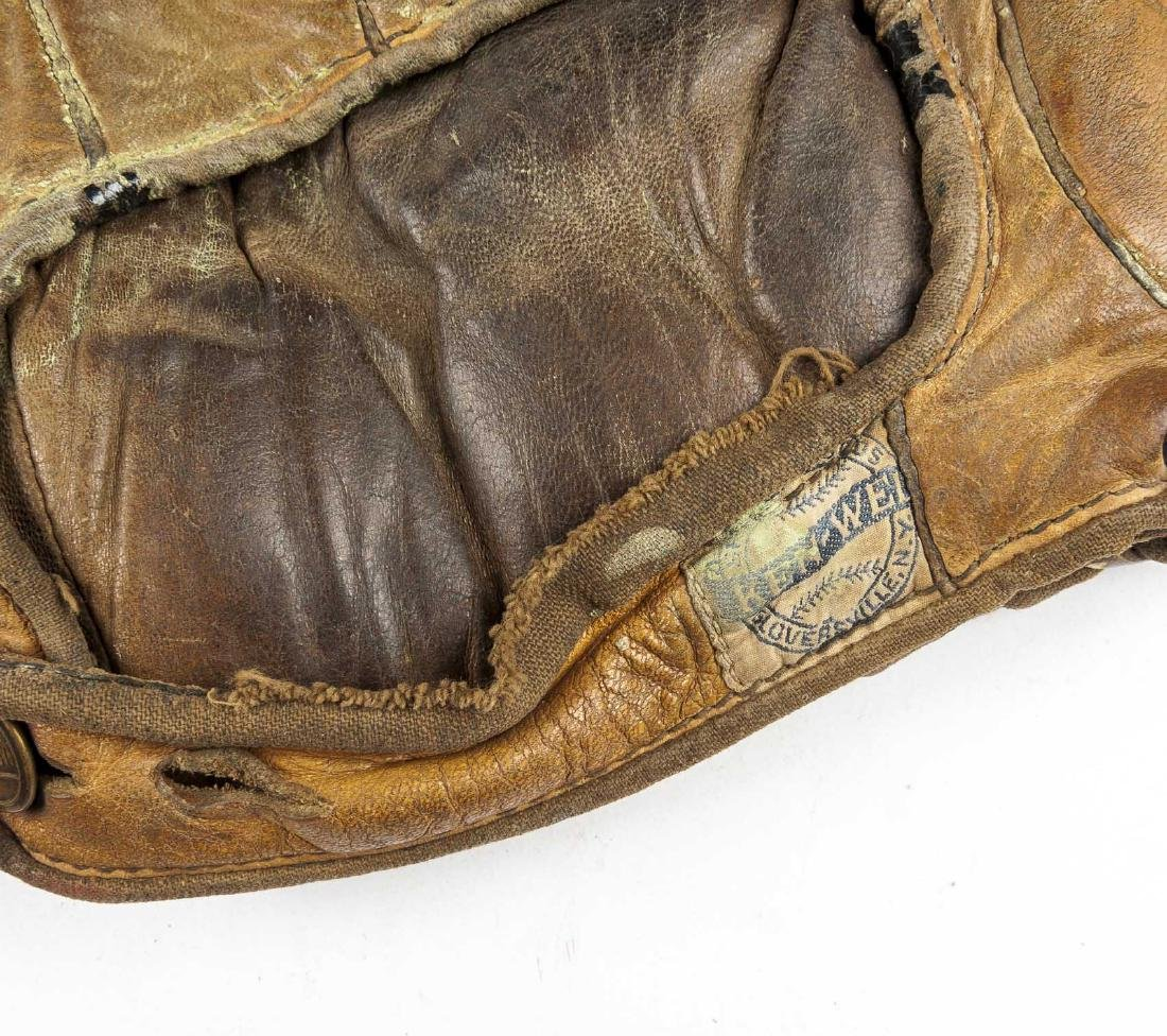 4 1910s & 1920s Web Gloves incl Jimmy Outlaw - 6
