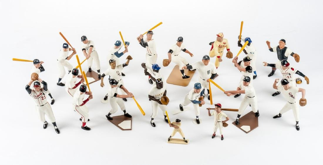 24 Hartland Figures incl. 25th Anniversary