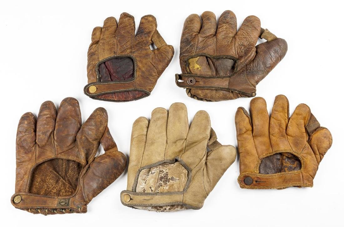 "5 1910 & 1920's 1"" Web Gloves Incl Hutch - 2"