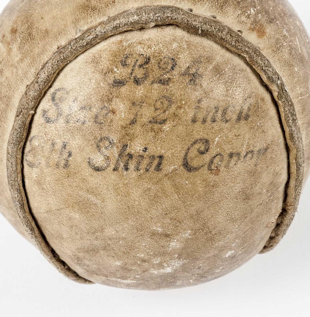 2 Vintage Balls incl Wilson Playground Ball - 5