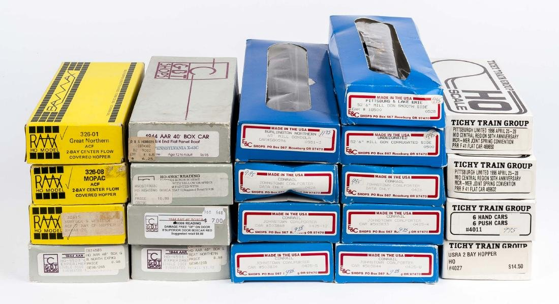 21 HO Kits in OBs Incl C&BT Shops & Tichy