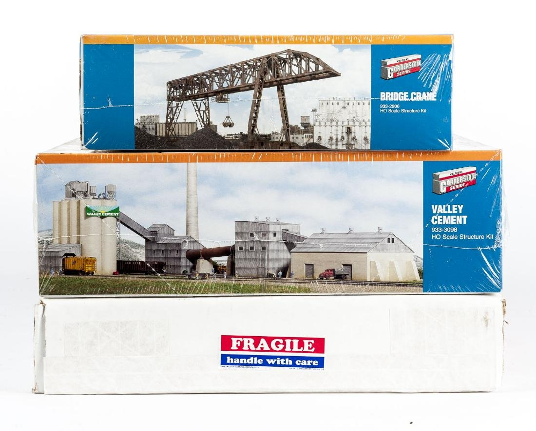 3 HO Scale Industrial Kits Incl Cornerstone in OBs