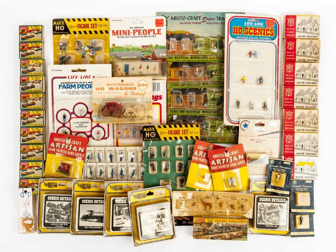 46 HO Scale Figures & Accessories incl Merit