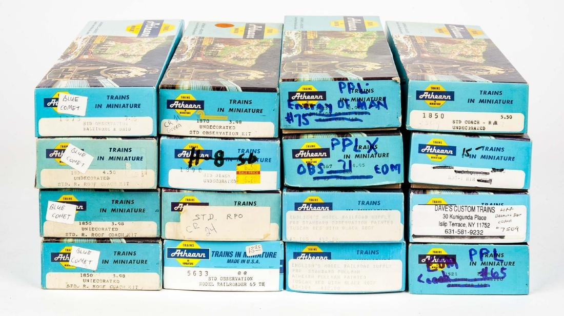 16 Athearn HO Passenger Cars in Boxes