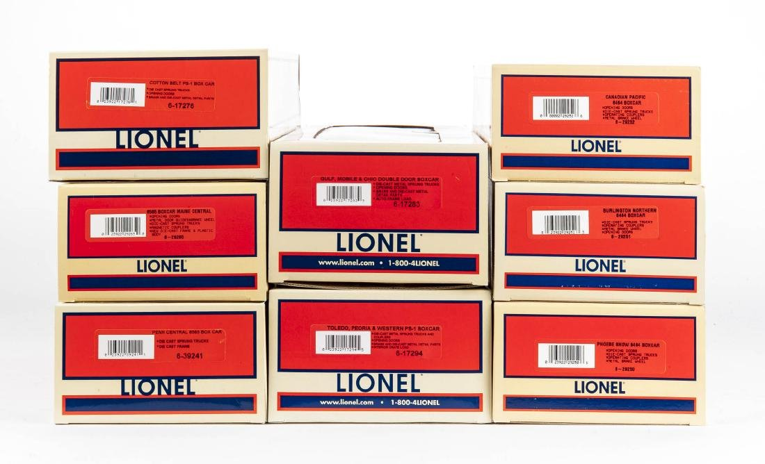 8 Lionel O Gauge Boxcars in OBs