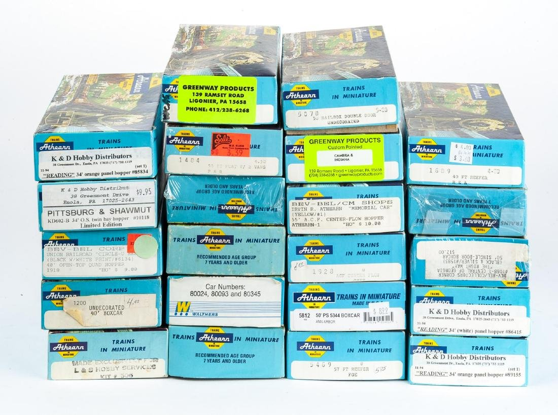 22 Athearn HO Freight Car Kits in OBs