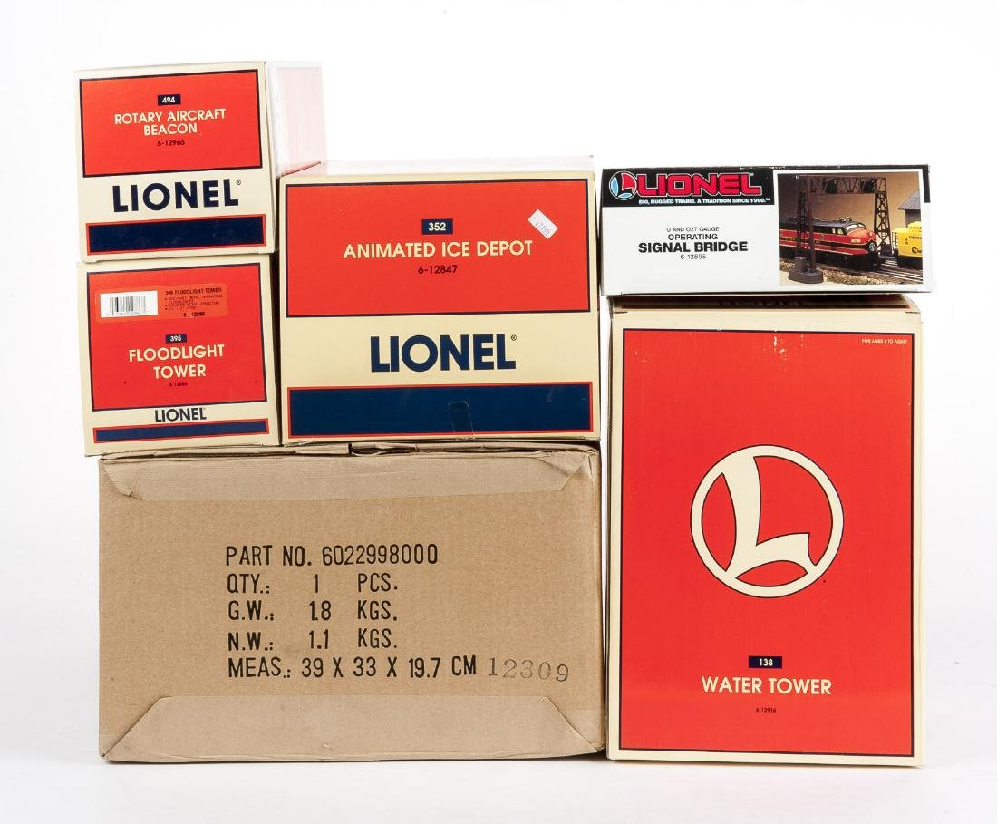 6 Lionel O Gauge Buildings & Accessories in OBs
