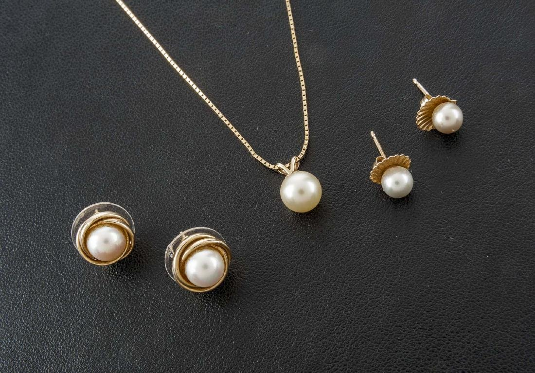 3 Pieces Pearl Jewelry
