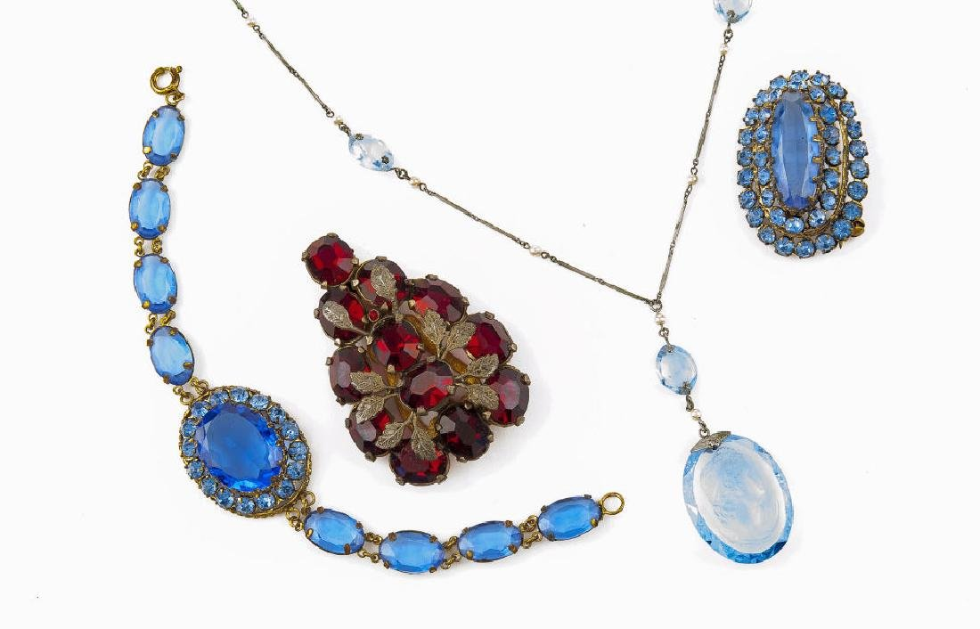 4 Pieces Vintage Jewelry