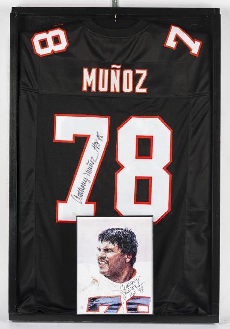 Autographed Anthony Munoz Football Jersey