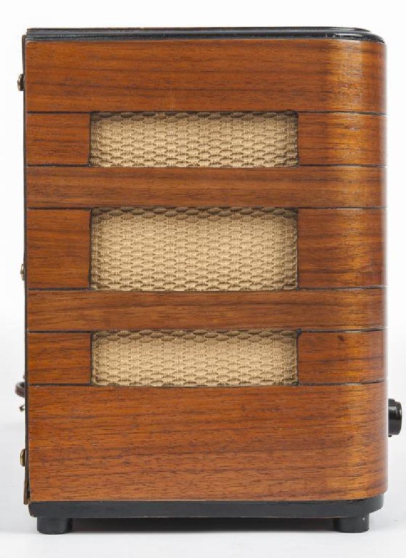 Vintage Crosley Radio - 3