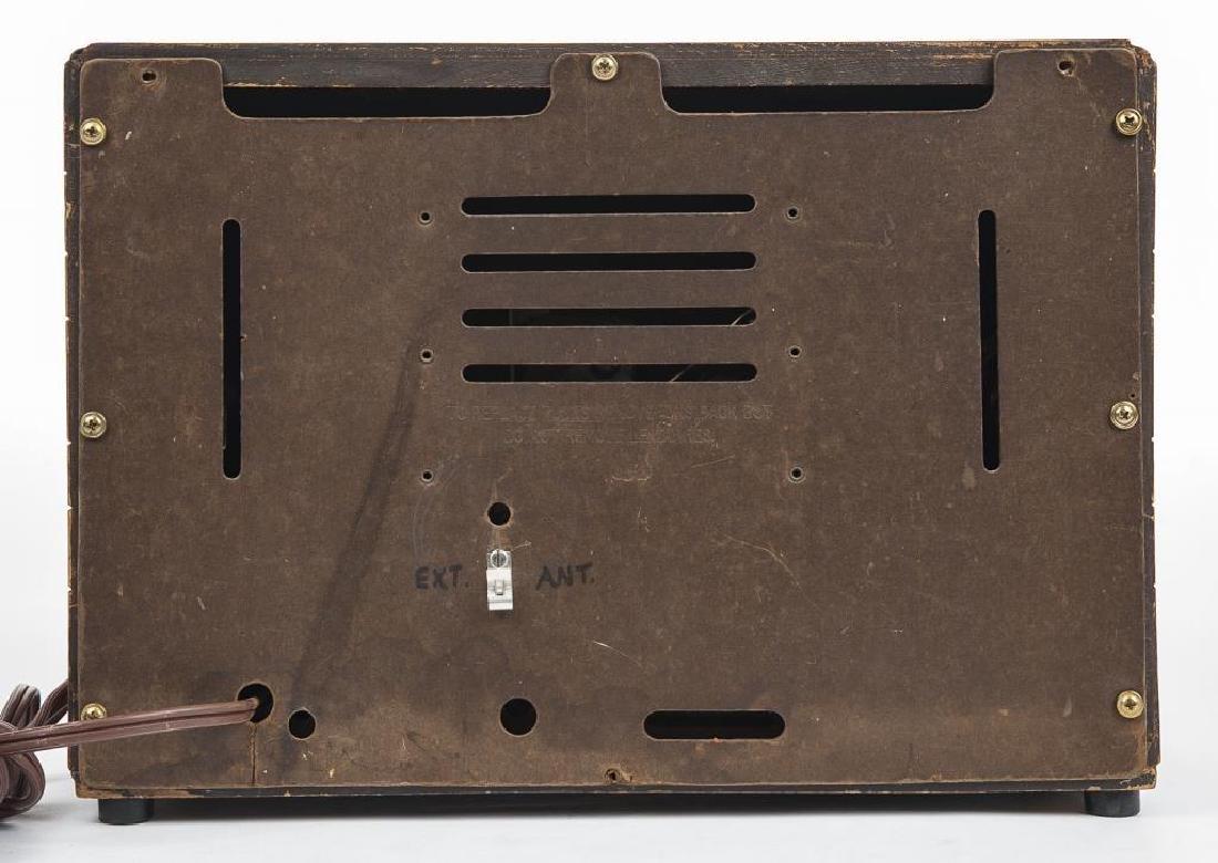 Vintage Crosley Radio - 4