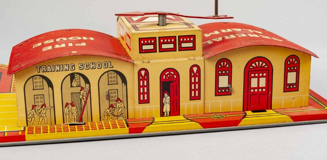 Marx General Alarm Fire House & Tricky Chief - 4