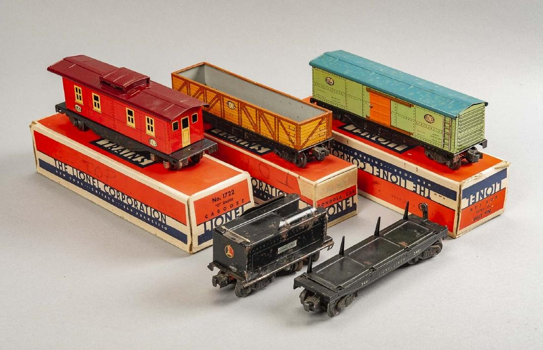 5 Lionel Rolling Stock Cars