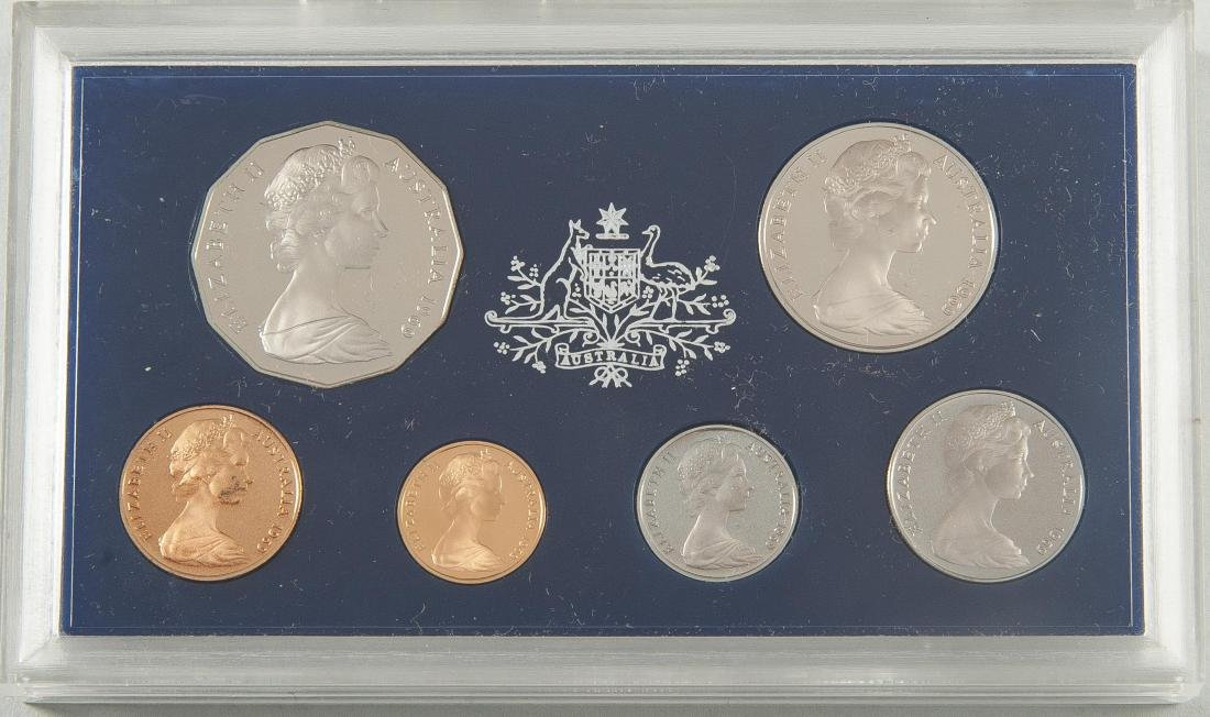5 Royal Australian Mint Coins and 5 Sets - 2