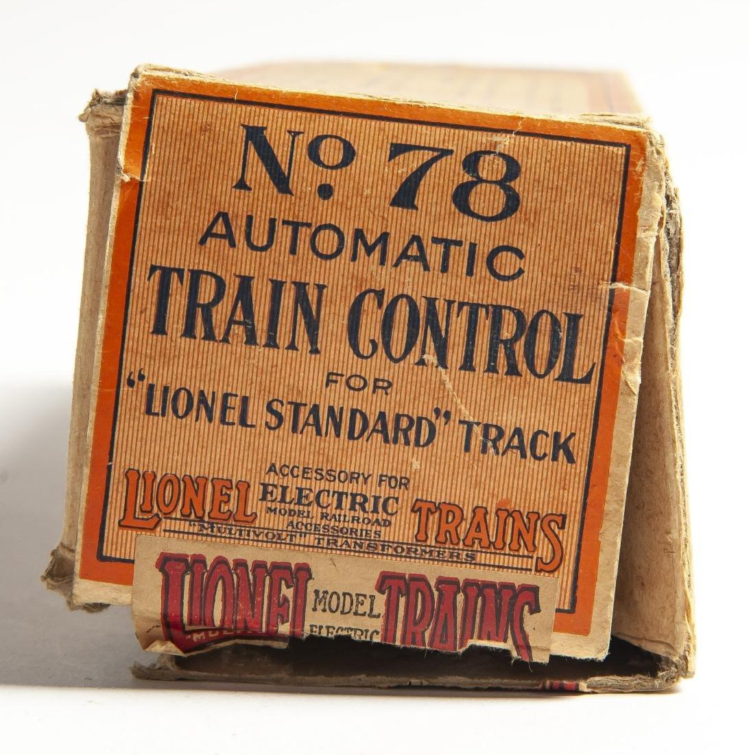 3 Pcs Lionel Rolling Stock & 1 Accessory - 8