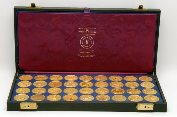 5: Set 36 Surgical History Silver Medallions