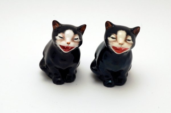 438: 2 Royal Doulton Figurines Lucky Cats