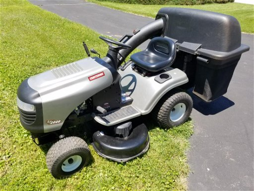 Craftsman Lt2000 Riding Lawn Mower Jun 15 2019 Cordier Auctions Appraisals In Pa