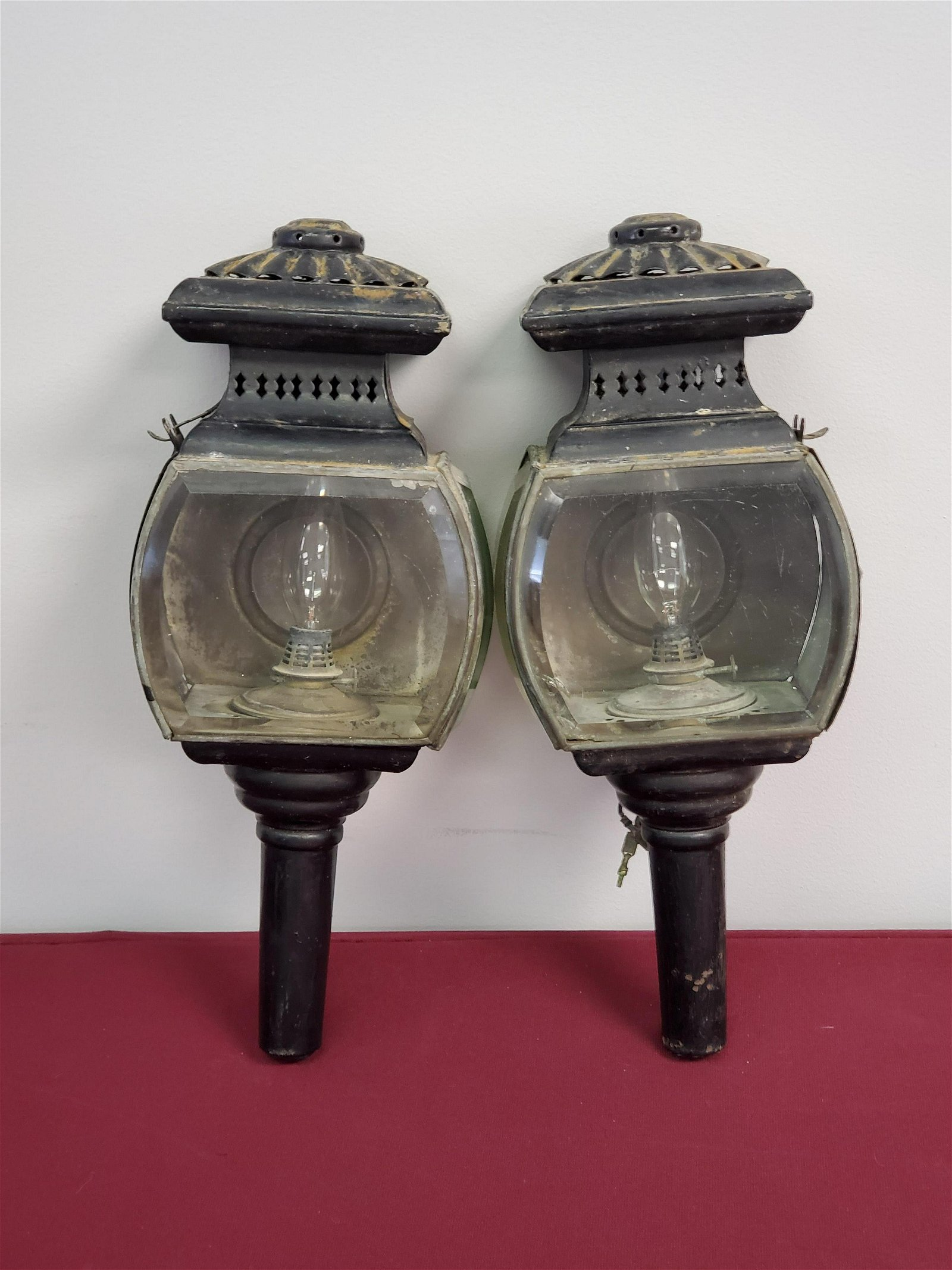 2 19C Carriage Lamps