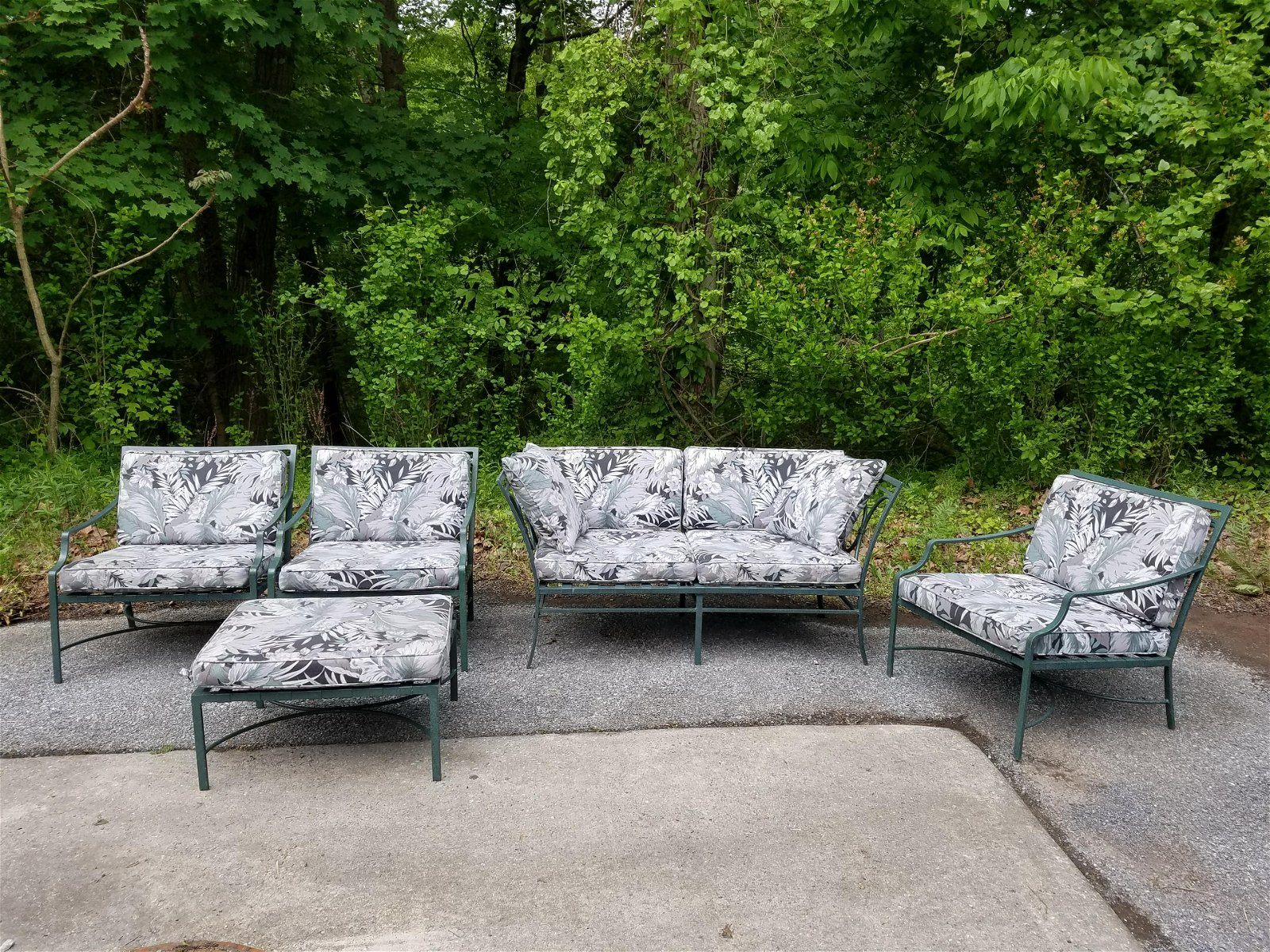 Brown Jordan 5pc Metal Patio Set with Cushions