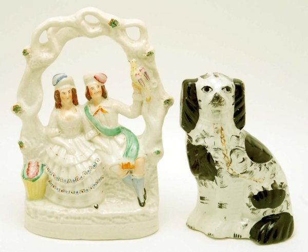 2: 2 Staffordshire Figurines - Spaniel & Couple