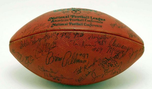 576: C 1985 Cleveland Browns Autographed Game Ball