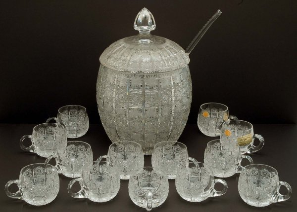 513: Queen Lace Crystal Punch Bowl Set