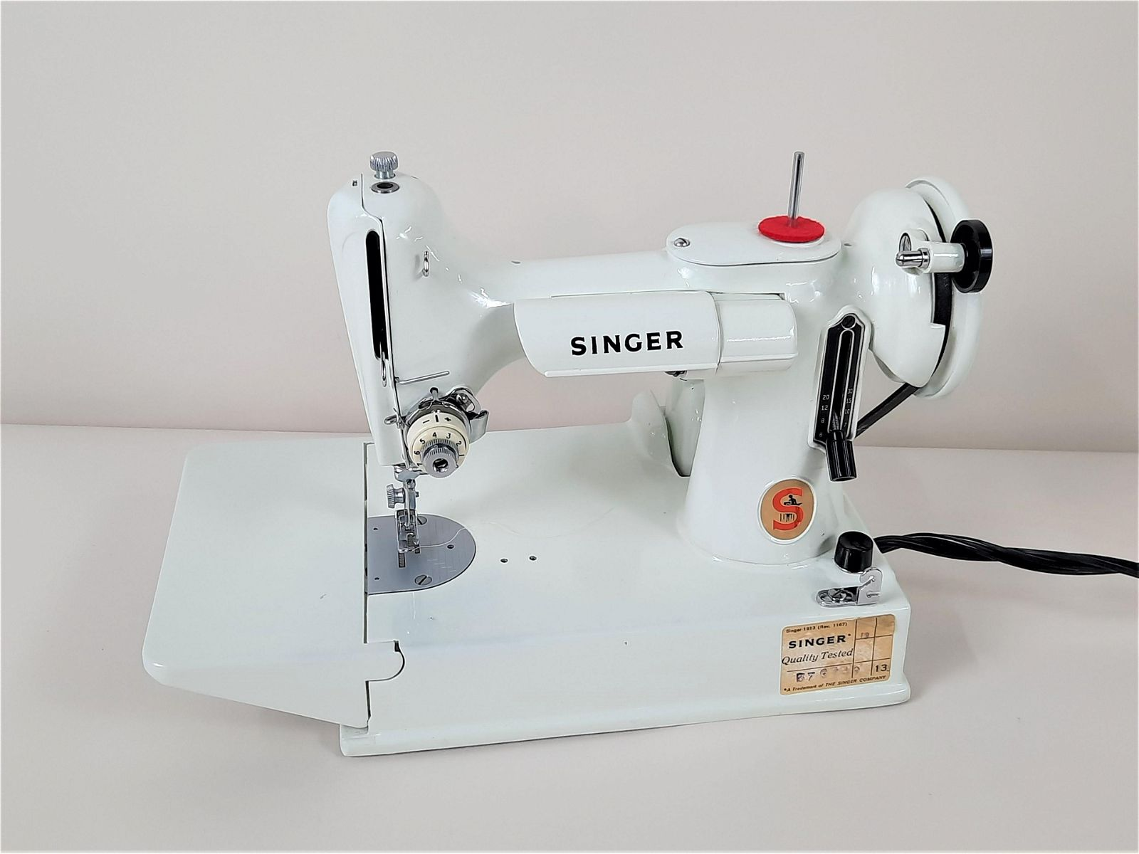 Singer Featherweight Sewing Machine w/ Attachments