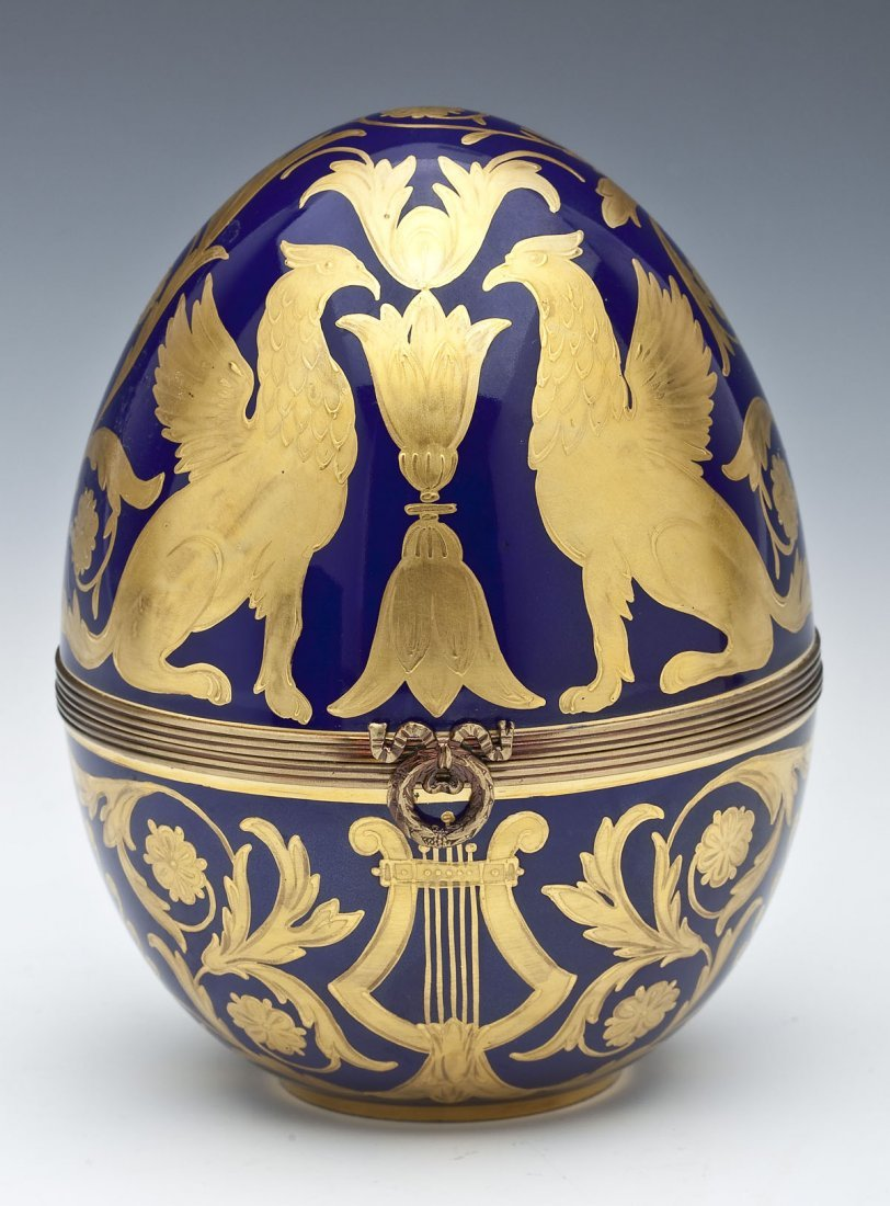 409: Fabergé Limited Edition Porcelain Egg Box