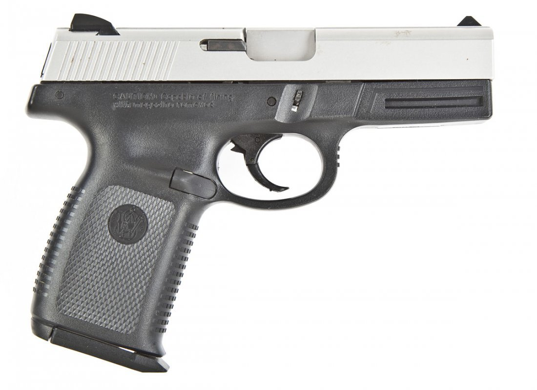 20: Smith & Wesson SW40VE Pistol - .40 S&W Cal.