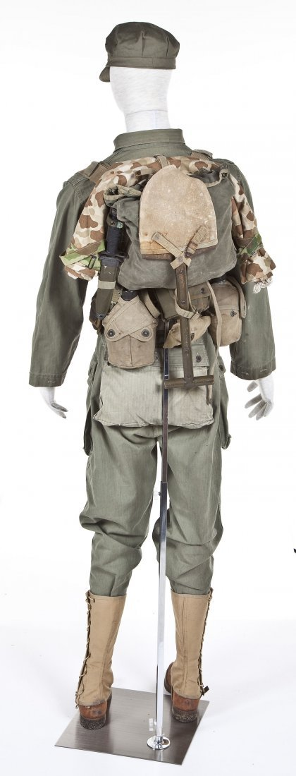 275: WWII USMC Combat Uniform Including Mannequin - 2