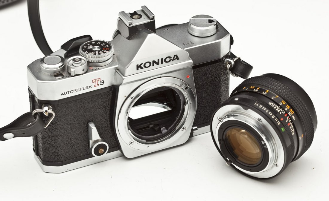 Konica Autoreflex T3 Camera with Konica Case - 6